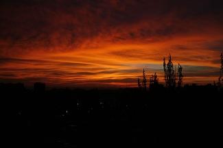 20081031215421-amanecer-ciudad.jpg