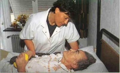 20090623071728-enfermeras-y-viejos.jpg