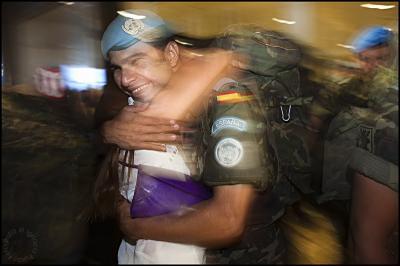 20100613101749-novia-soldado-afganistan.jpg