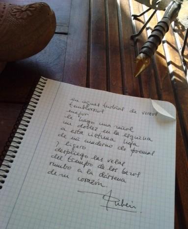 20110828105729-mi-cuaderno-de-versos-herido.jpg