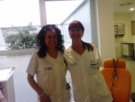 20120414200641-marta-y-sara-rioja-salud-oncologia.jpg