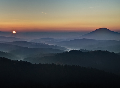 20120813222743-amanecer-en-mi-sierra-belleza-poema-ruben-lapuente.jpg