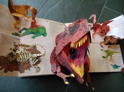 20140427203029-libro-desplegable-dinosaurios-ruben-lapuente.jpg