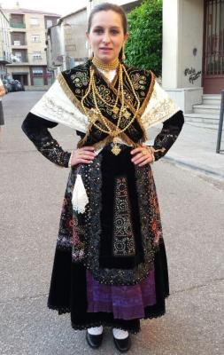 20141214130734-maria-bernal-traje-charro-vitigudino-ruben-lapuente.jpg