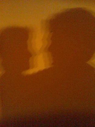 20110530230330-sombras-ruben-y-carmen.jpg